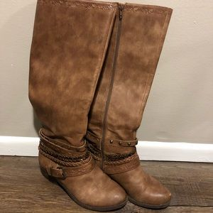 Not Rated tan boots